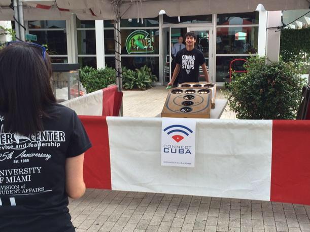 """""""Conga para la Causa"""" organizada por Federación de Estudiantes Cubanos beneficia Conecta Cuba."""