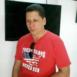 """Cubano condenado a tres años simplemente por """"facilitar conexiones a televisión satélital"""""""