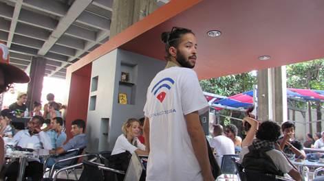"""Inverse pregunta """"¿Cuanto conectado quiere que sea su poblacion el gobierno de Cuba?"""
